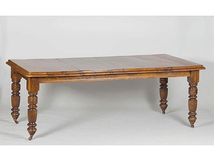 AN ENGLISH DINING TABLE, 19TH CENTURY