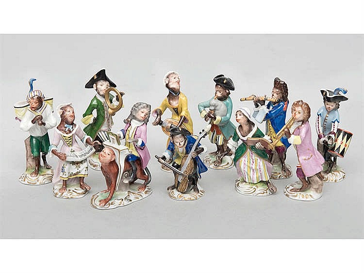 A SET OF MEISSEN PORCELAIN FIGURINES, EARLY 20TH CENTURY