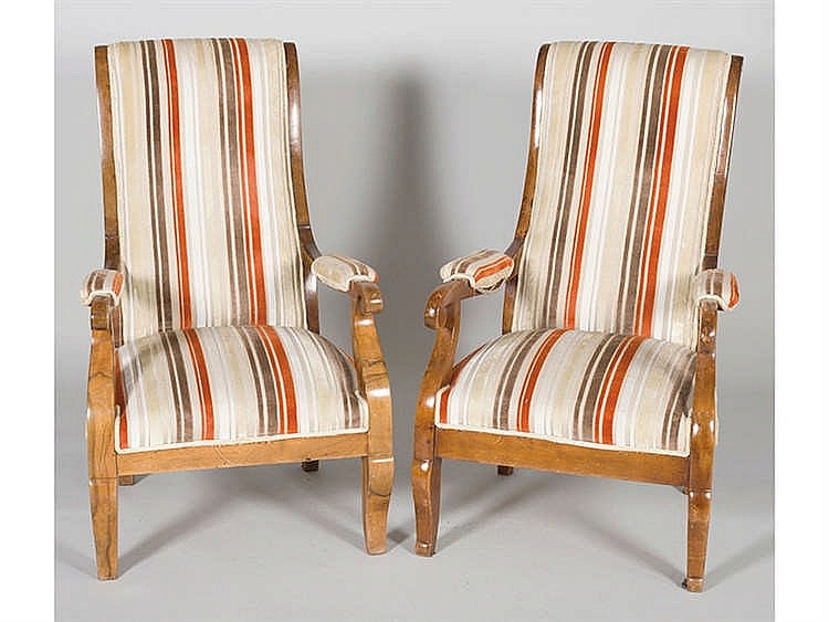 A PAIR OF ENGLISH ARMCHAIRS, LATE 19TH CENTURY