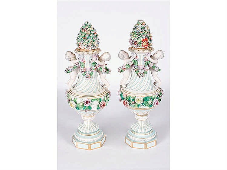 A PAIR OF JAPANESE PORCELAIN CASES, 19TH CENTURY