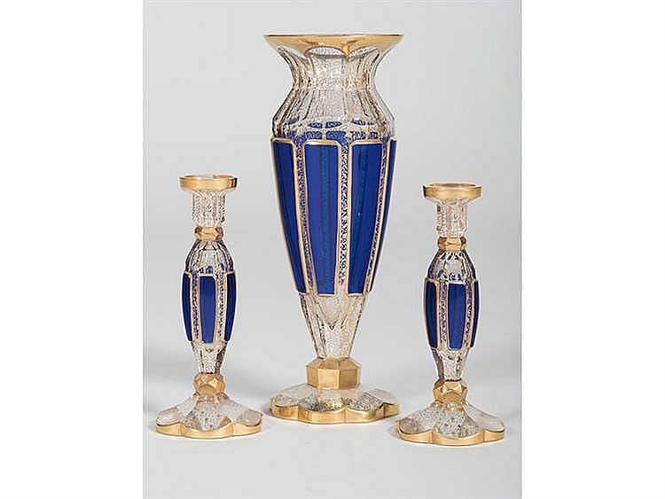 A SET OF THREE FRENCH VASES, 19TH CENTURY