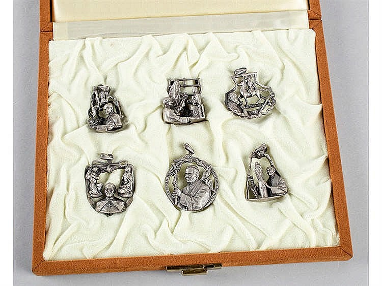 POPE JOHN PAUL II COMMEMORATIVE MEDAL COLLECTION