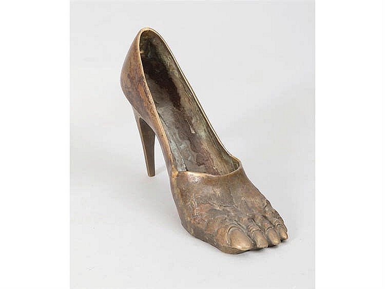 CONTEMPORARY SPANISH SCHOOL Miniature Bronze Shoe Sculpture