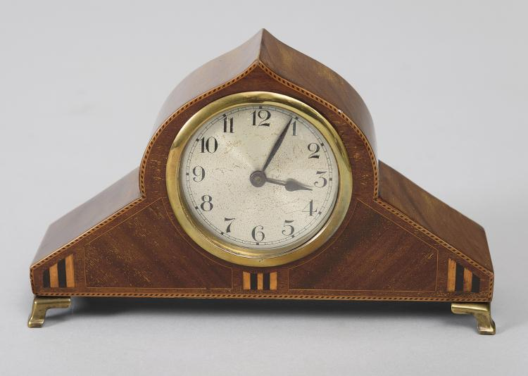 ENGLISH DESKTOP CLOCK, FIRST THIRD 20th C.