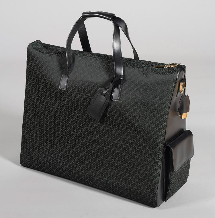 TRAVEL BAG IN TEXTILE AND LEATHER, LOEWE