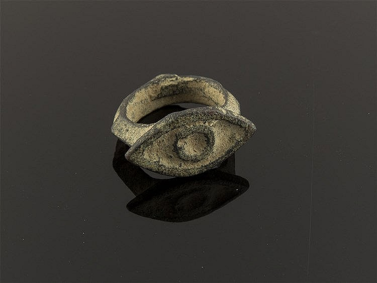 A ROMAN BRONZE RING, 3TH/4TH CENTURY