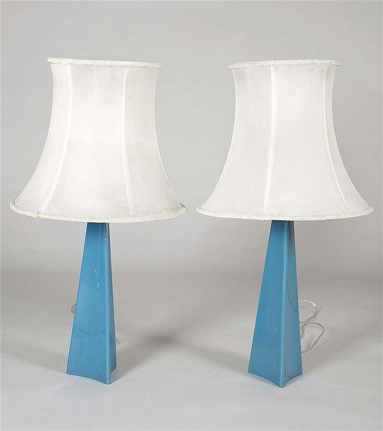 A PAIR OF RAFAEL GARCIA KNOLL INTERNACIONAL DESIGN TABLE LAMPS, CIRCA 1970