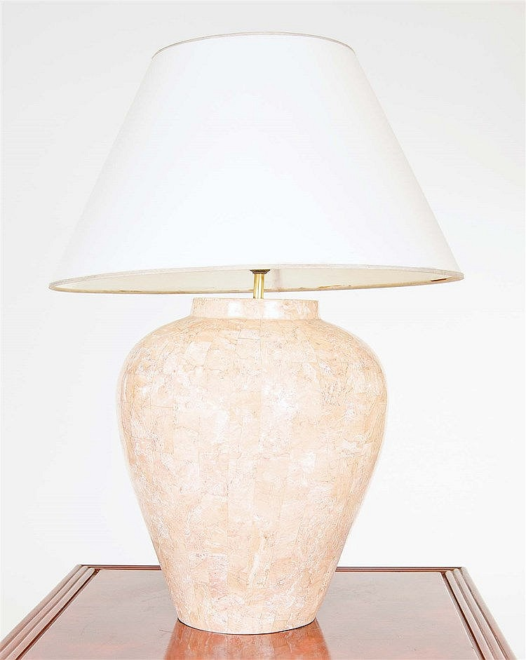 A GLAZED CERAMIC TABLE LAMP