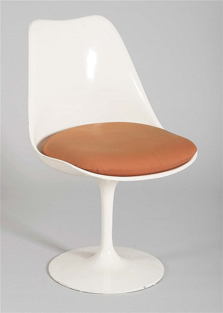 EERO SAARINEN DESIGN CHAIR