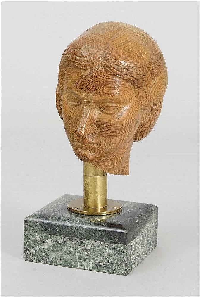LUIS MARCO PEREZ (Fuentelespino de Moya, 1896-1983) Female Head