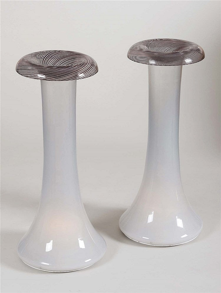 A PAIR OF ITALIAN DESIGN LAMPS, CIRCA 1960