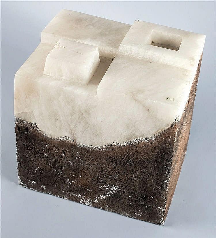 FERNANDO MIKELARENA (Legasa, Navarra, 1960) Untitled. Alabaster and polychrome stone