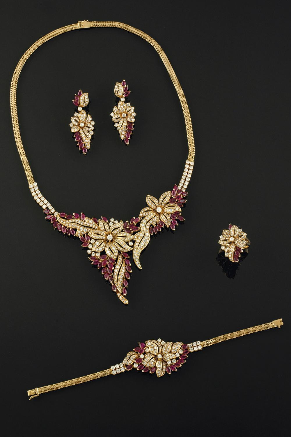 A SET OF RUBY AND DIAMOND JEWELRY