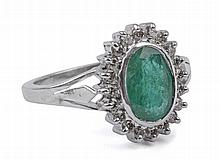 OVAL CUT EMERALD AND LIGHT BROWN DIAMONDS WHITE GOLD CLUSTER RING