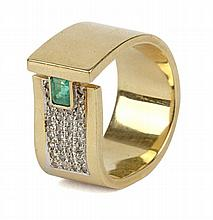 BEZEL EMERALD AND 8/8 CUT DIAMONDS BICOLORED GOLD RING