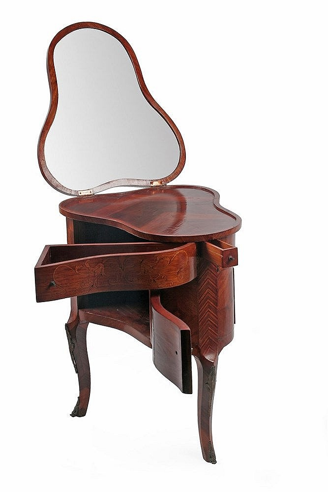EARLY 20th CENTURY CATALAN ART NOVEAU DRESSING TABLE