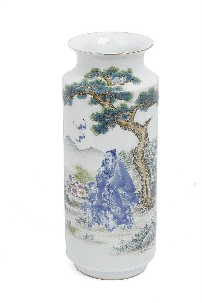 20th CENTURY CHINESE VASE