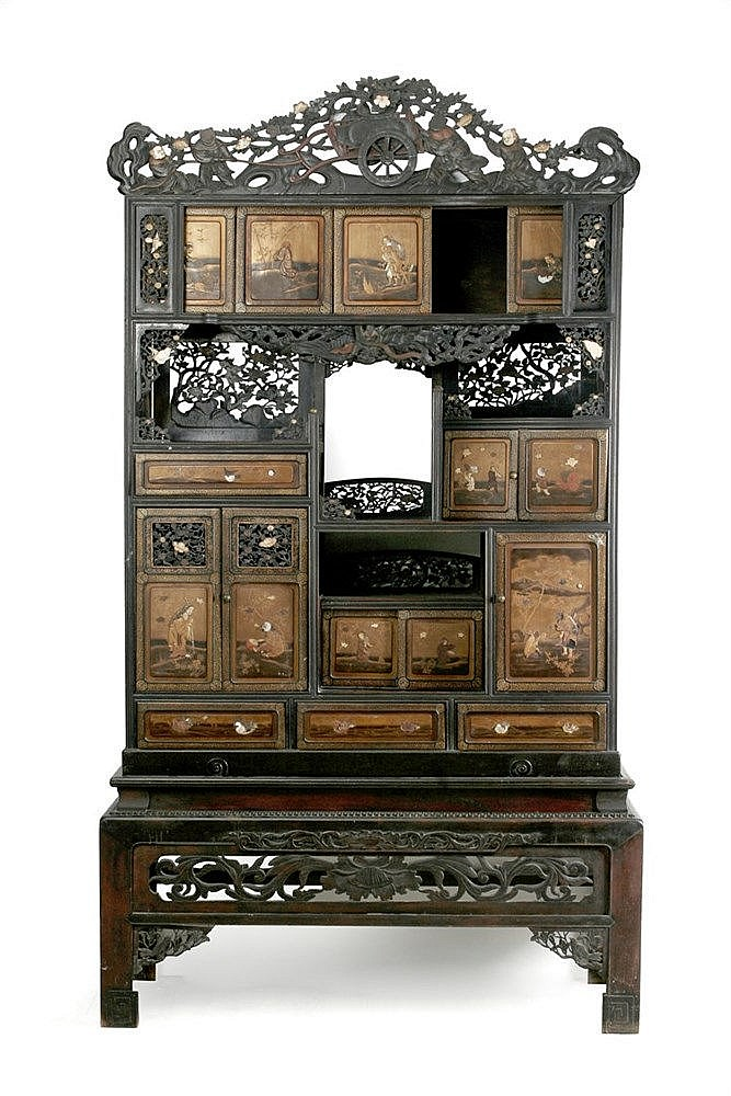 19th CENTURY JAPANESE WARDROBE DRESSER IN CARVED, OPENWORKED AND LACQUERED WOOD WITH IVORY INLAYS