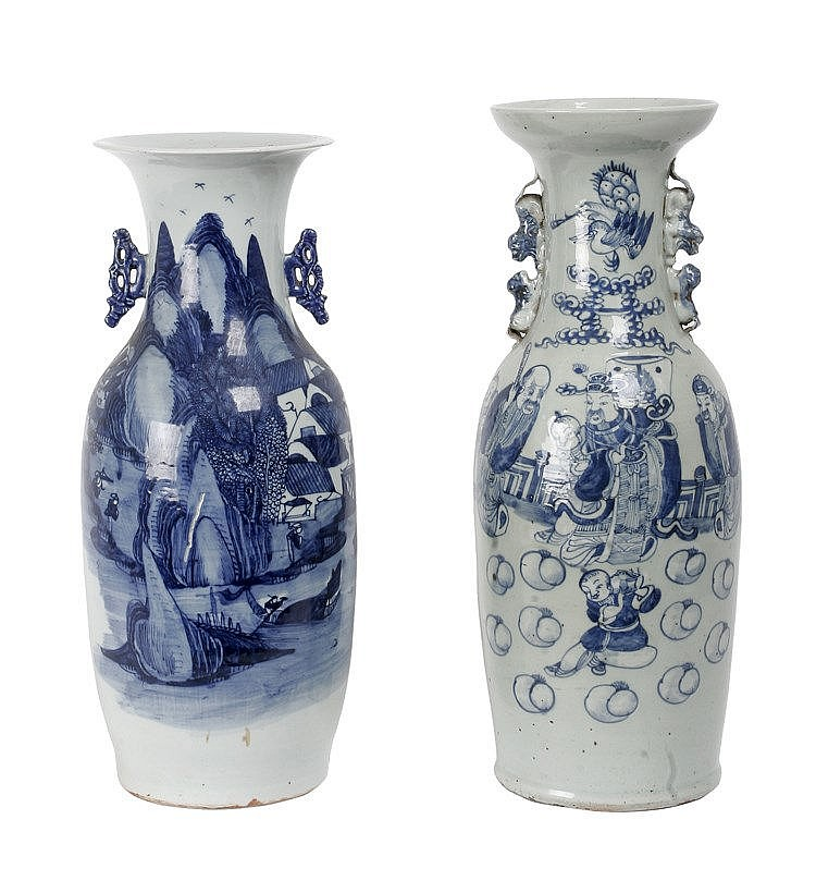 PAIR OF EARLY 20th CENTURY CHINESE VASES