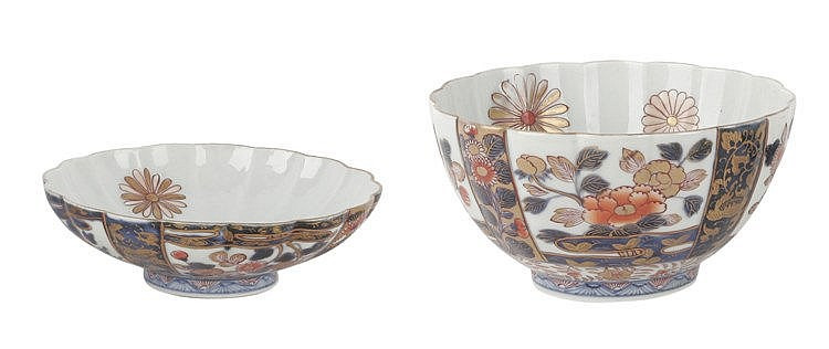 A PAIR OF 19th CENTURY JAPANESE BOWLS