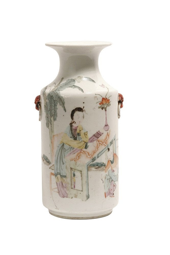 FIRST HALF OF 20th CENTURY CHINESE VASE