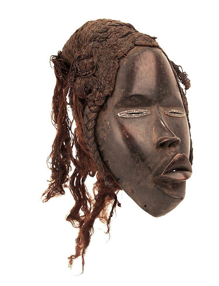 FIRST HALF OF 20th CENTURY DAN MASK, CÔTE D'IVOIRE