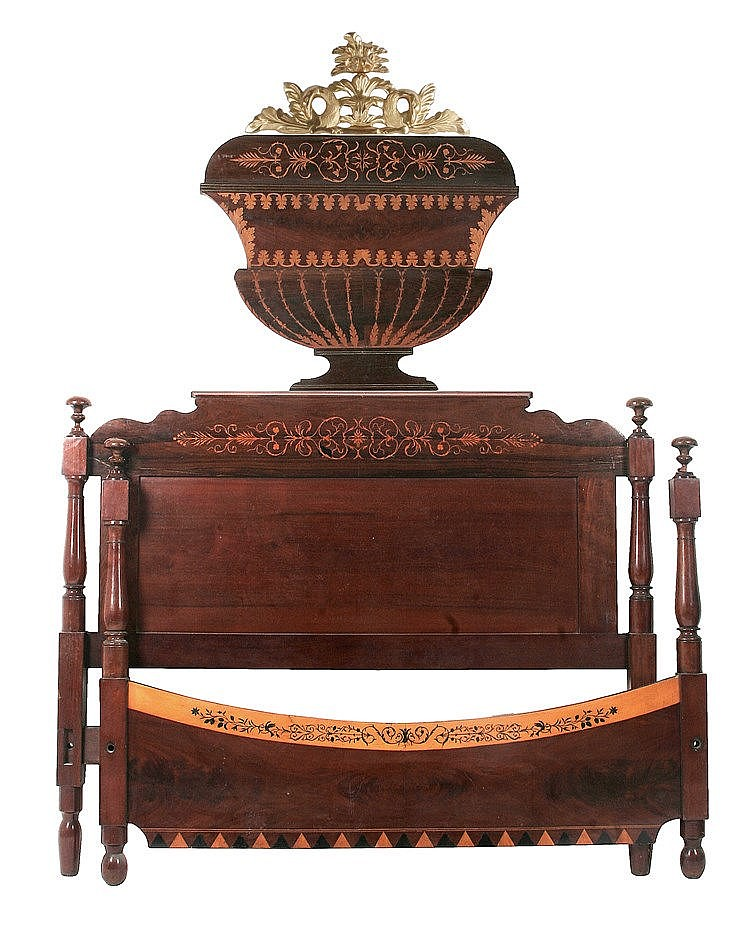SPANISH ELIZABETHAN PERIOD BED CIRCA 1840-1850
