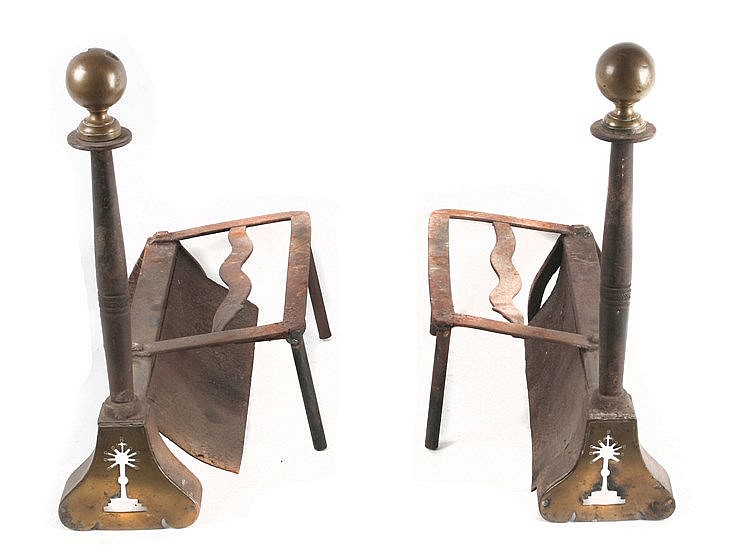 18th CENTURY PAIR OF ANDIRONS FROM PORTELA, LEÓN