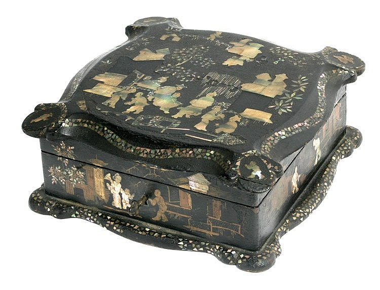 18th CENTURY CHINESE BOX