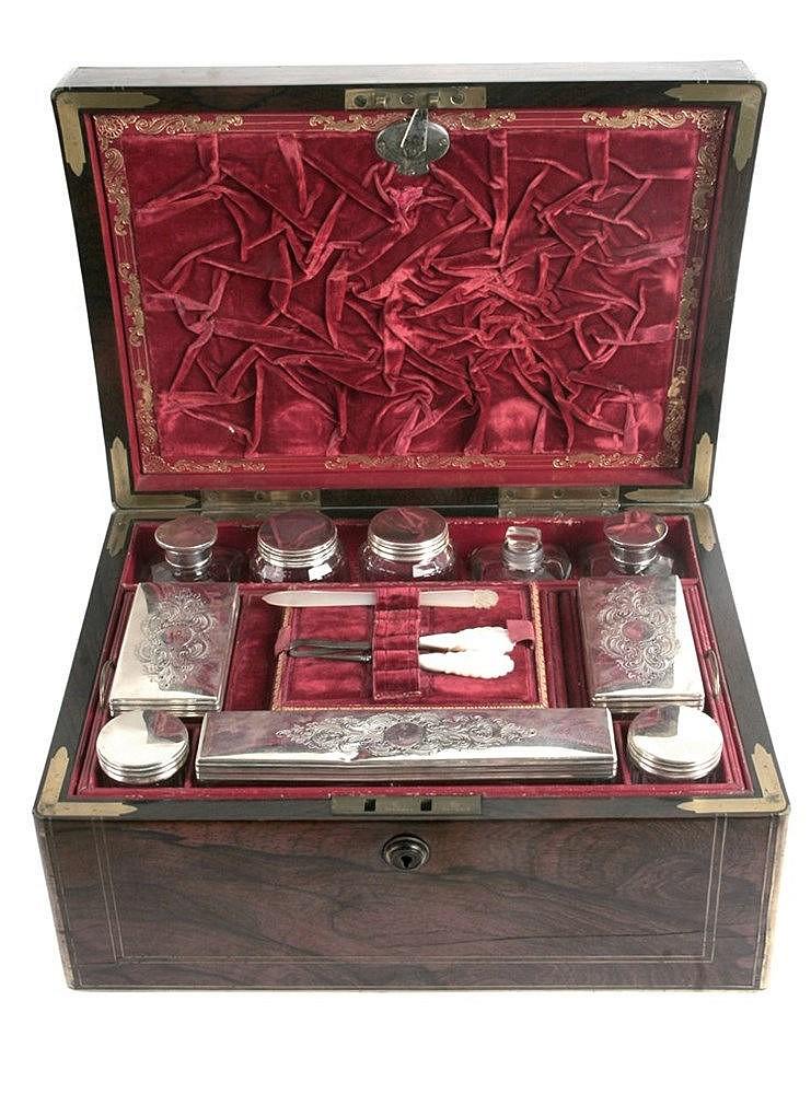 19th CENTURY VICTORIAN VANITY BOX