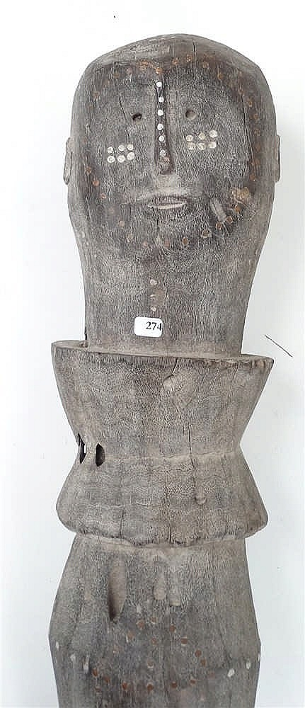 ancien poteau fun raire en bois dur sculpt de tabourets de. Black Bedroom Furniture Sets. Home Design Ideas