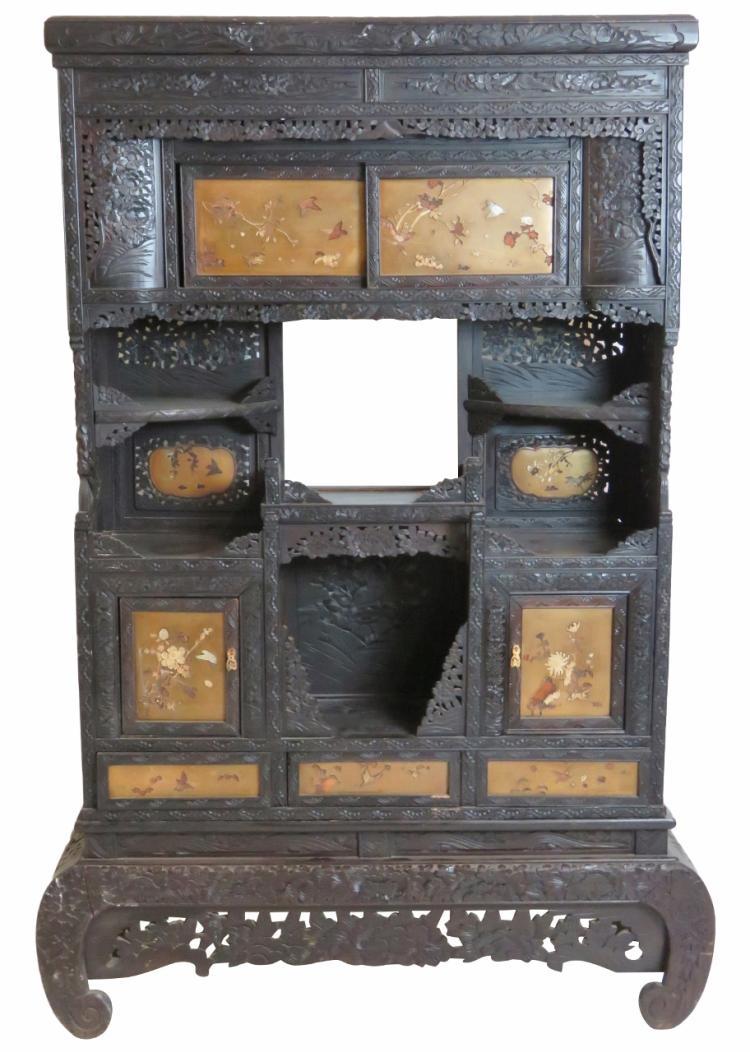 Antique japanese carved etagere for Etagere japonaise