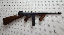 Auto Ordnance Thompson 1927 A1 deluxe rifle