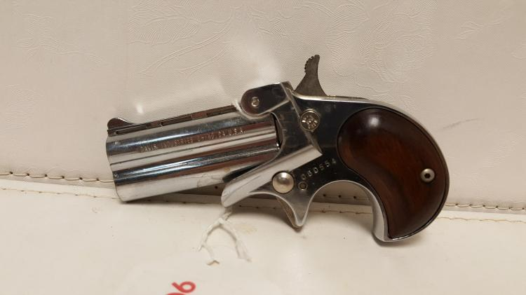 Davis Industries Model D-32 .32 cal Derringer