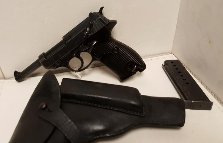 WWII Nazi P-38 9mm pistol, holster