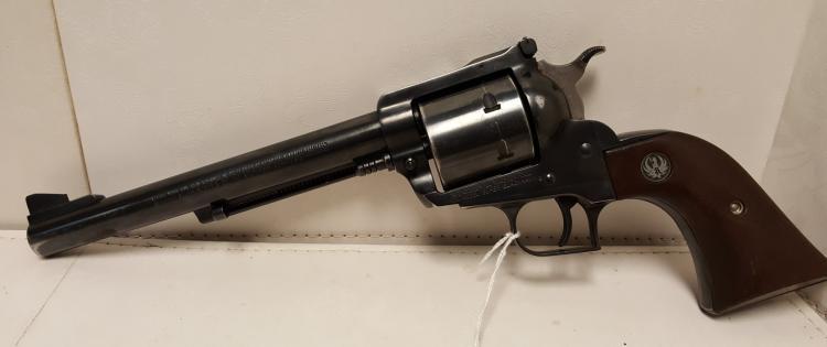 Ruger .44 mag New Model Super Blackhawk revilver