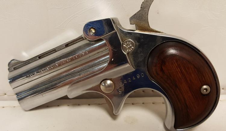 Davis Ind. Model DK-22 .22 mag Derringer