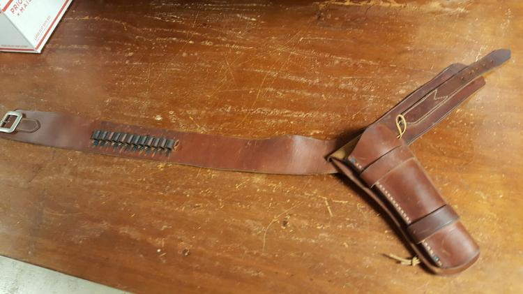 Western style revolver holster & belt