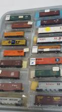 18 vintage N scale assorted makes box cars