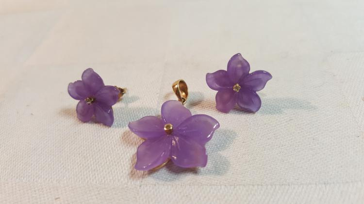 14k yel gold purple Jade flower pendant & earrings