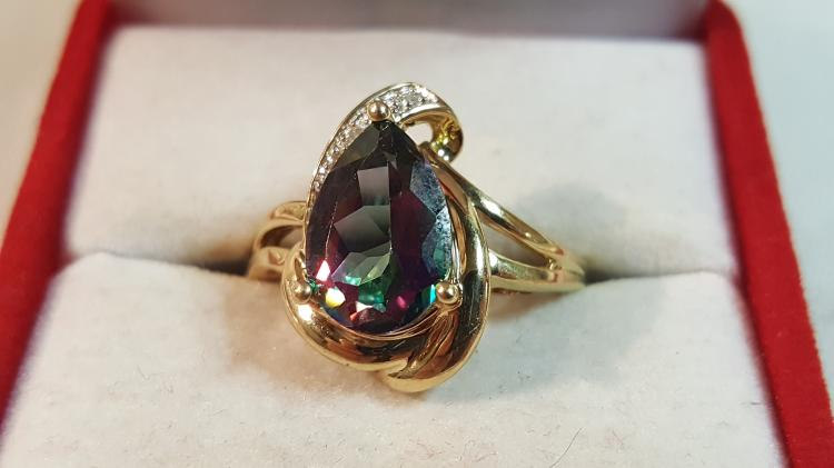 10k yel gold mystic topaz & Diamond ladies ring