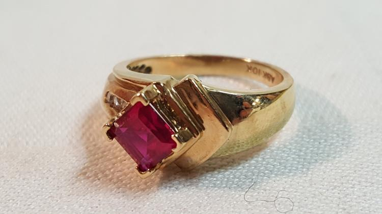 10k yel gold Ruby & Diamond ladies ring