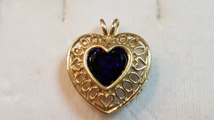 14k yel gold Blue Spinel Heart filigree pendant
