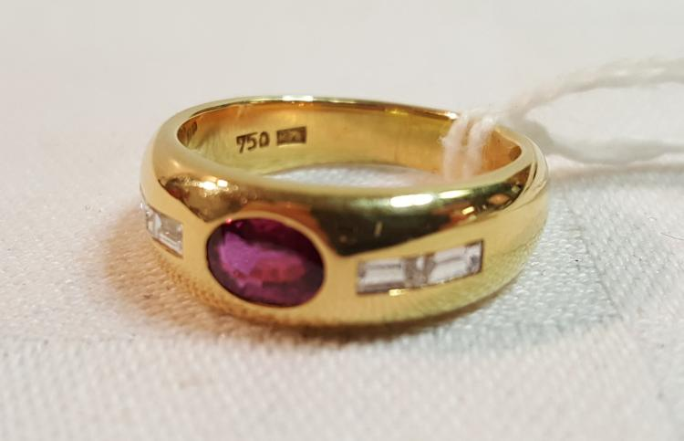 18k yel gold Diamond & ruby ladies ring