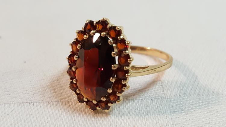 10k yel gold natural garnet cluster ring