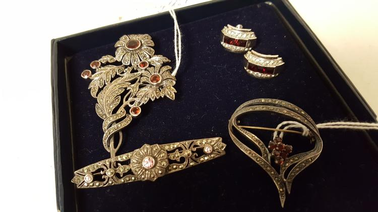 4 vintage sterling silver & Marcasite pins, ears
