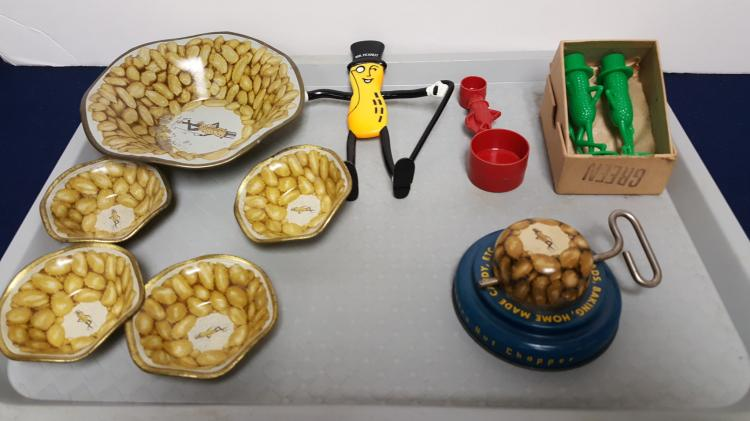 Mr. PEANUT advertising items, chopper, bowls..