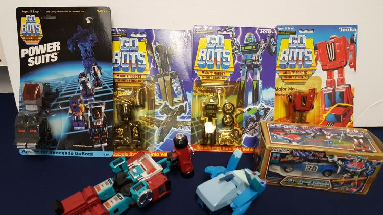 Go Bots mighty robots new in cards, etc