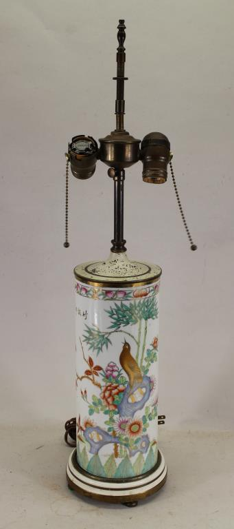 ANTIQUE CHINESE FAMILLE VERTE STYLE PORCELAIN LAMP