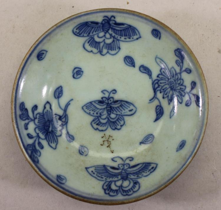 EARLY ANTIQUE CHINESE PORCELAIN BUTTERFLY DISH